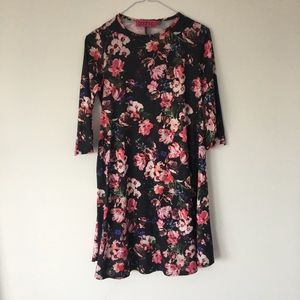 Dresses & Skirts - Cute Floral Rose Print Swing Dress 3/4 Sleeve